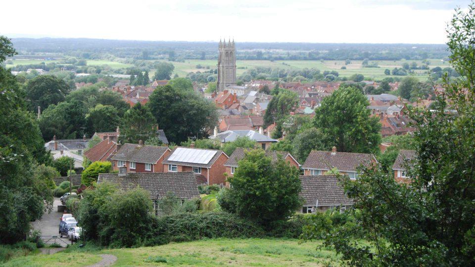 Město Glostonbury je s legendou o Avalonu spojované už od středověku