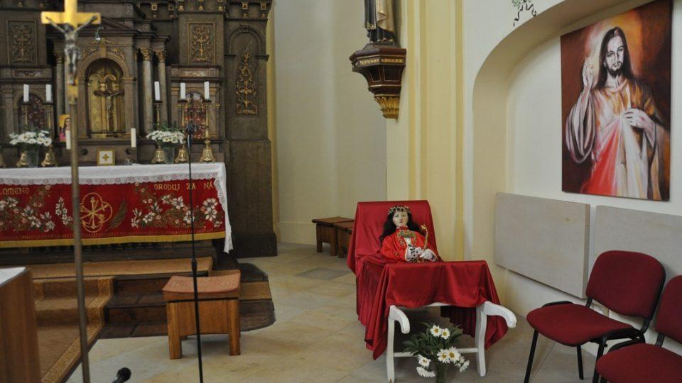Patronka sv. Filoména spočívá v nosítkách