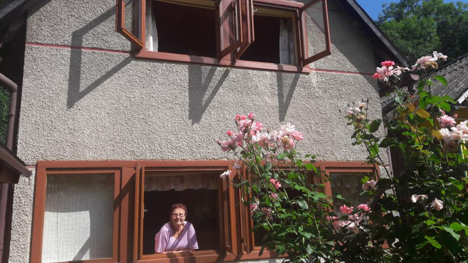Voda při povodni sahala až nad okno chaty paní Margit