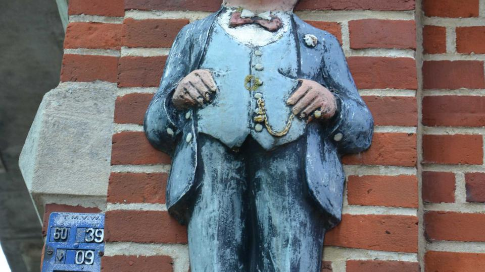 Hercule Poirot se v belgickém Ellezelles narodil podle místní legendy v roce 1850