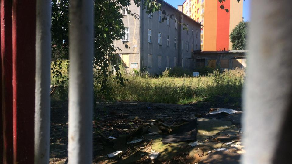 Bývalá ubytovna pro sociálně slabé ve varnsdorfu, místo které by mohl vyrůst park