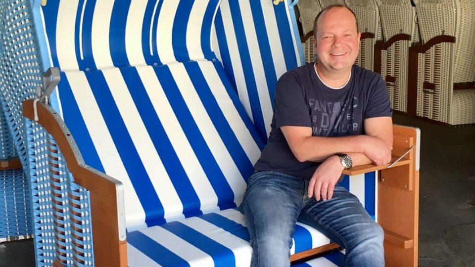 Lars Eggers v jednom z košů, které jeho firma vyrábí