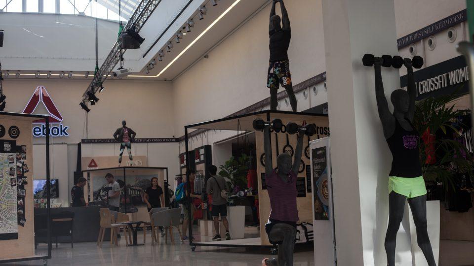 Mánes, v minulosti výkladní skříň české výtvarné kultury, transformoval v komerční showroom