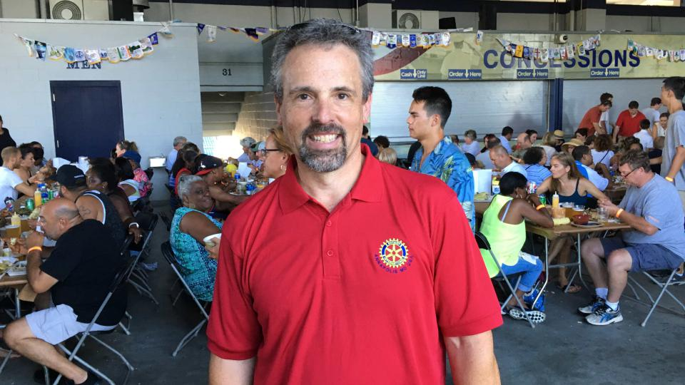 David Lunden, prezident místní pobočky Rotary Clubu, která krabí festival pořádá