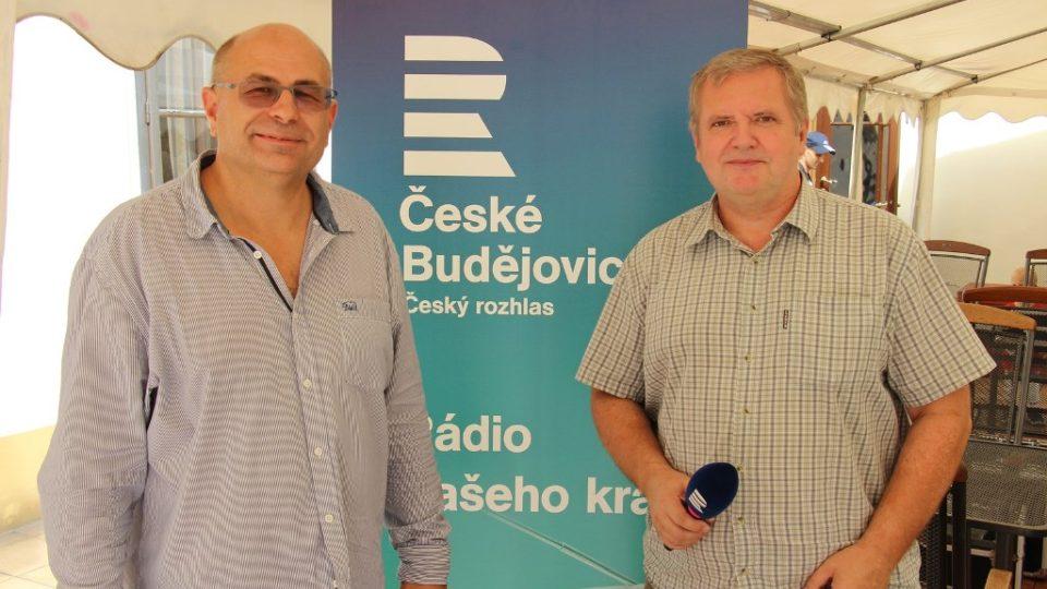 Ředitel lázní ve Vráži u Písku Jiří Landa (vlevo) a moderátor Pavel Kudrna