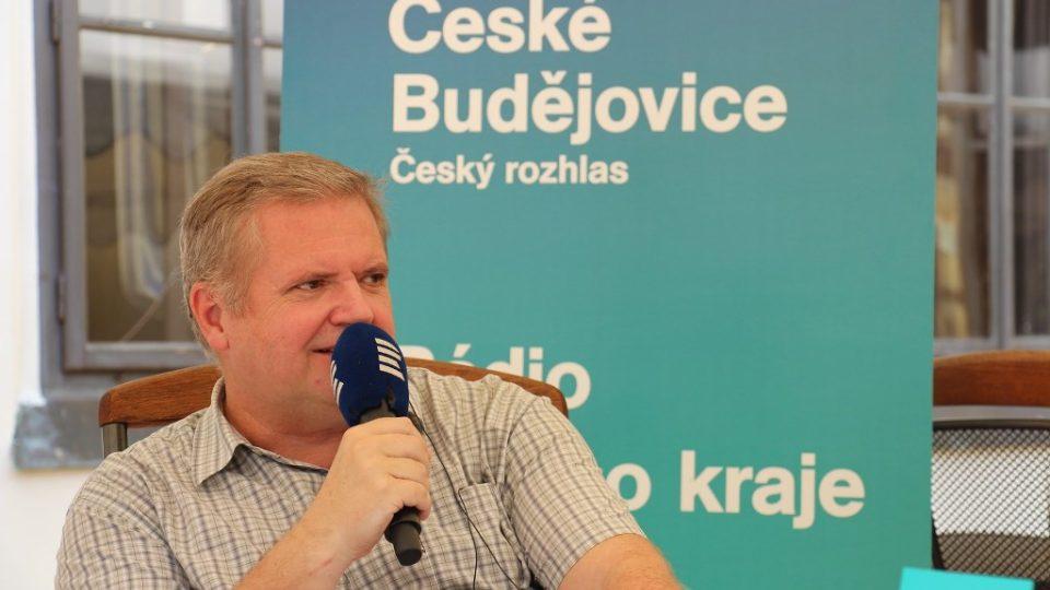 Moderátor pořadu Česko - země neznámá Pavel Kudrna