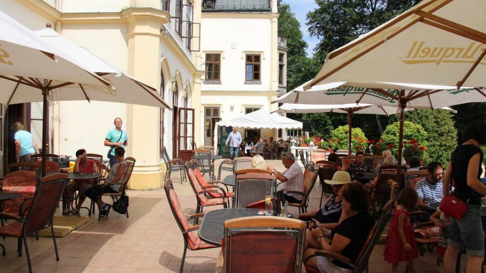 Ve Vráži u Písku se při svém prázdninovém putování zastavil pořad Česko - země neznámá
