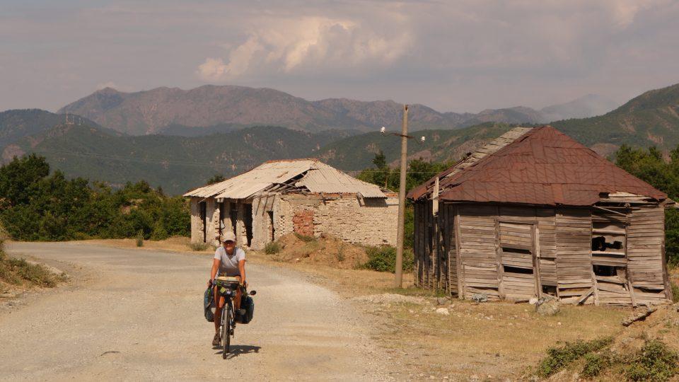 V albánských kopcích