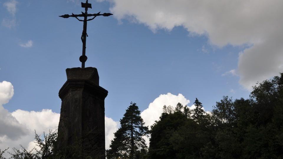 Dříve na konci Skuhrova stála socha sv. Prokopa