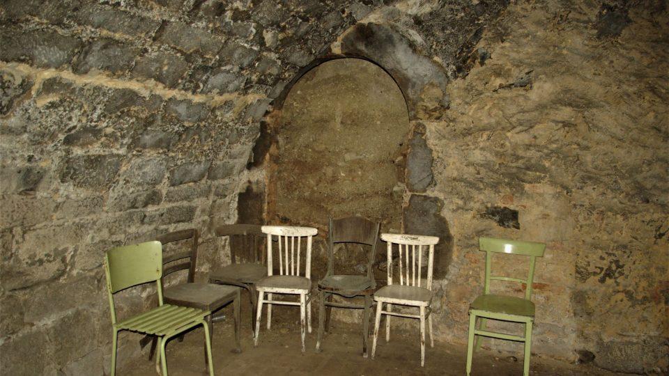 V prostorách renesančního sklepení se odehrávají i autorská čtení a výstavy