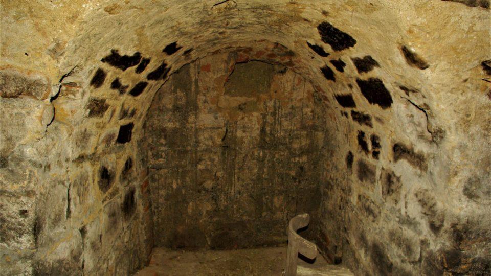 Zatím není jasné, kam tato chodba v podzemí pod Valdštejnským palácem v Jičíně ústila