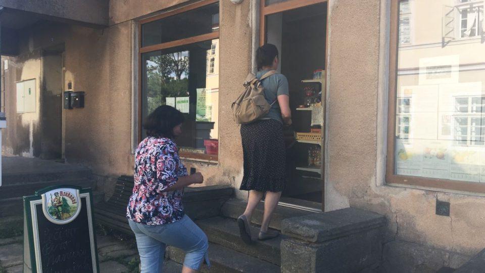 Malá obecní prodejna v Kohoutově na Trutnovsku