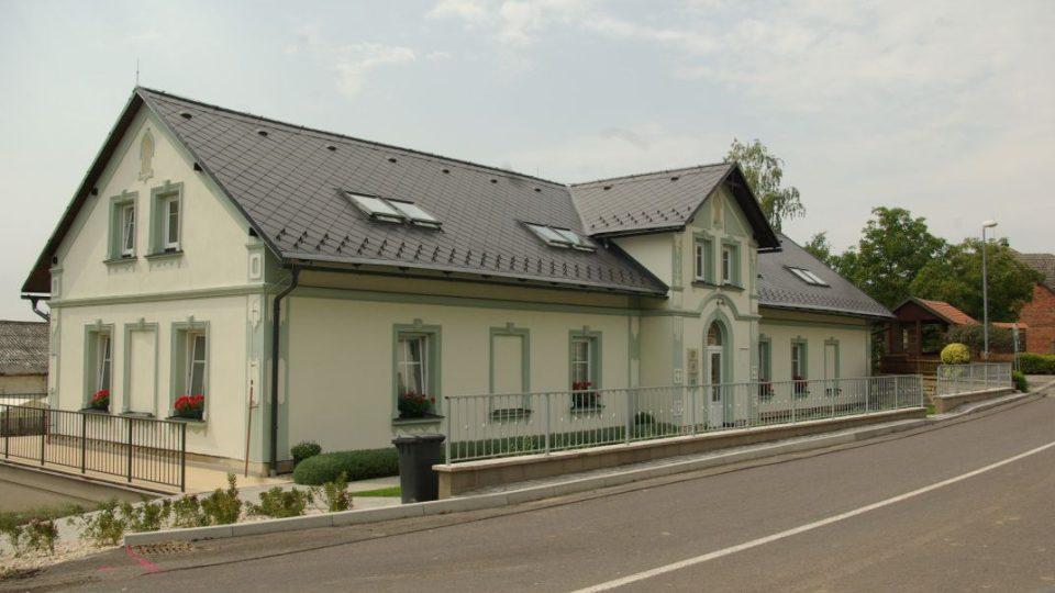 Zrekonstruovaná budova bývalého Škaloudova statku