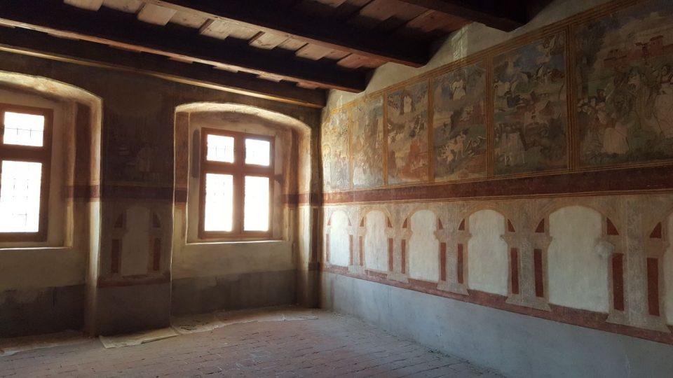 Fresky z roku 1568 nenechal žádný z majitelů domů přemalovat