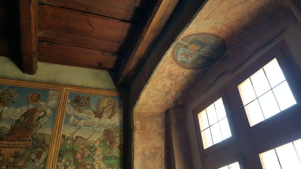 Obrazy pochází z roku 1568, letopočet je zaznamenán na jedné stěně a jejich autorem je neznámý umělec