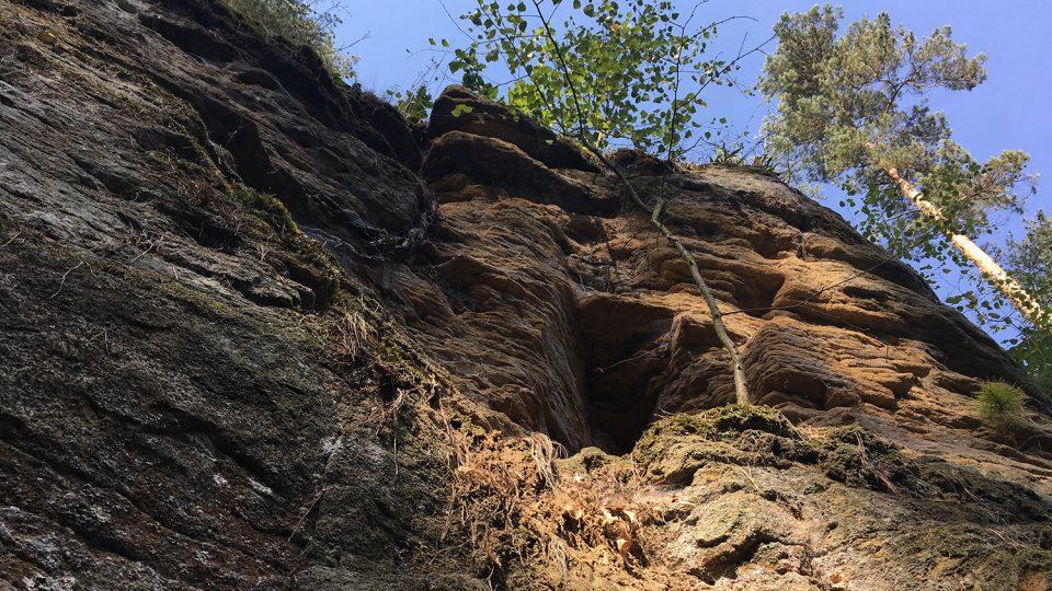 Lom ve Stolanech může sloužit i jako geologická studijní pomůcka