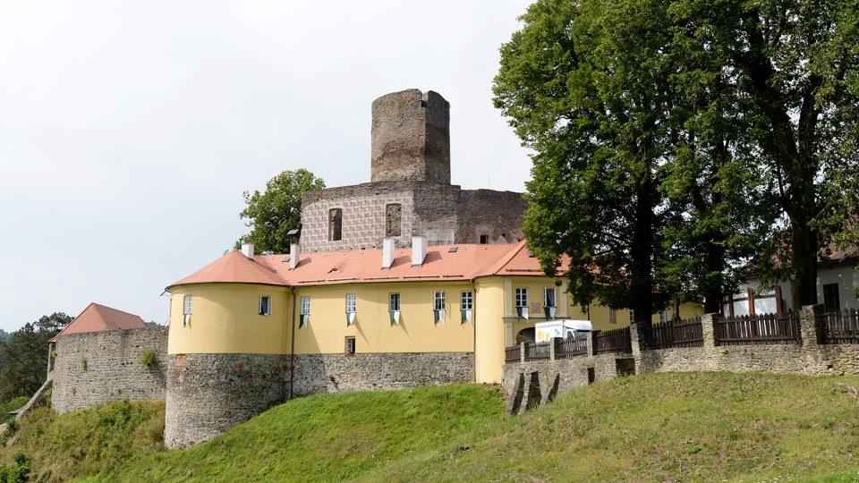 Hrad Svojanov je jedním z nejstarších Českých hradů, byl založený ve 13. století