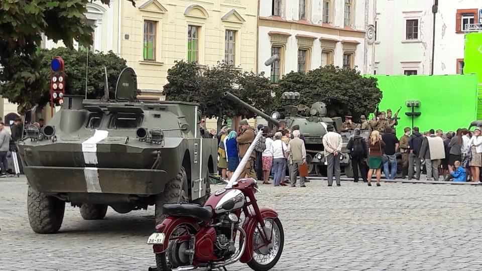 Na Pernštýnské náměstí dorazili vojáci i dobovou technikou