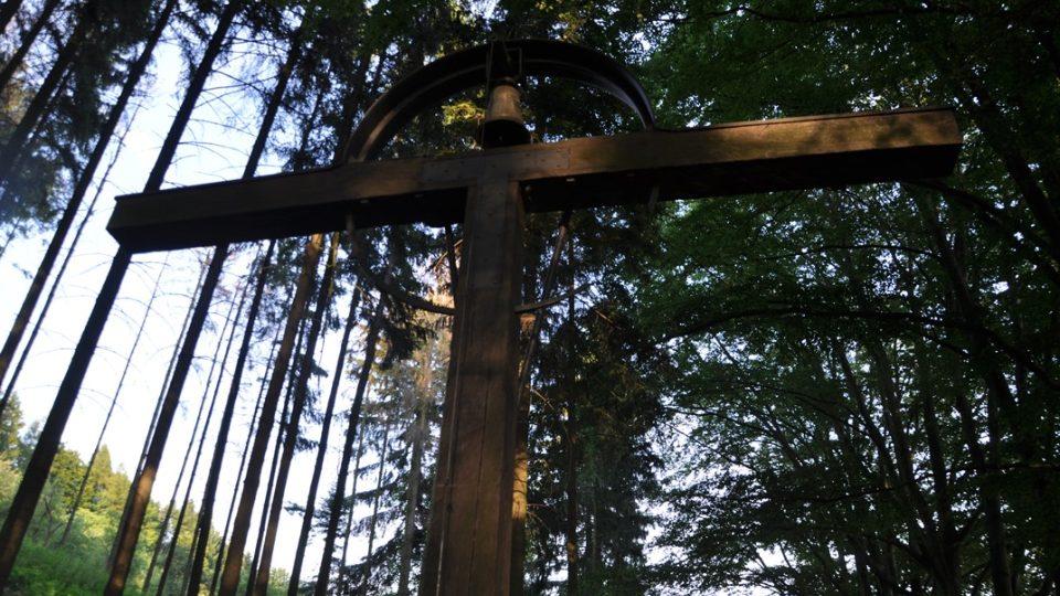 Návštěvníci memoriálu si můžou zazvonit na zvon
