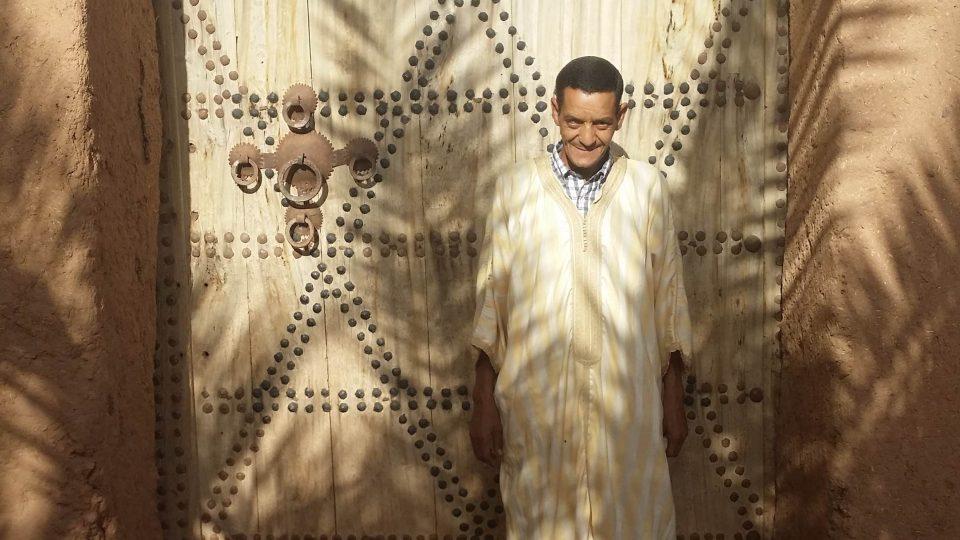 Před bránou s Davidovou hvězdou se nechal vyfotit jen Mohammedův děda