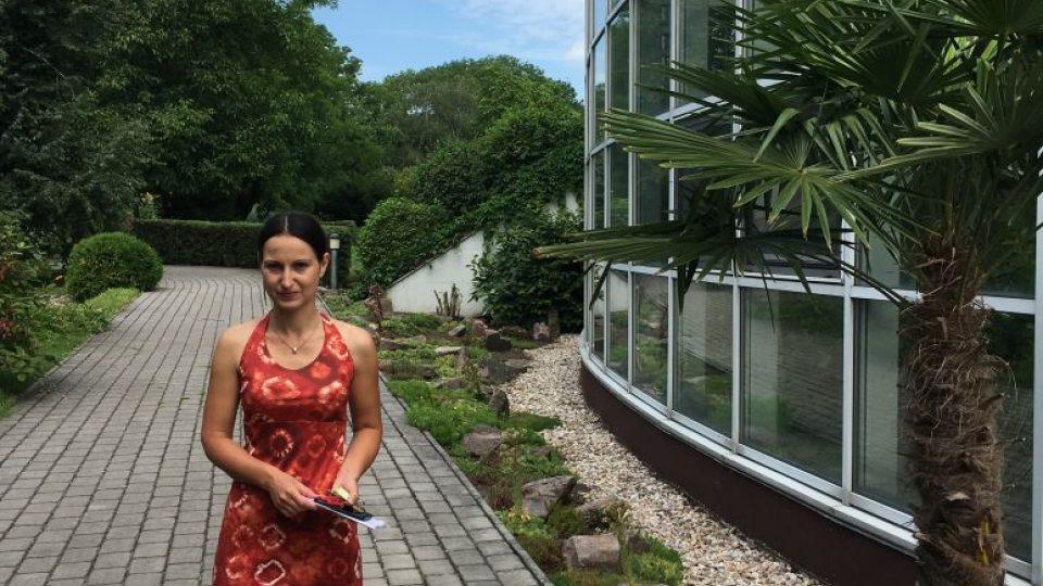 Ing. Anežka Chlebková - vedoucí Zahrady léčivých rostlin Farmaceutické fakulty UK v Hradci Králové