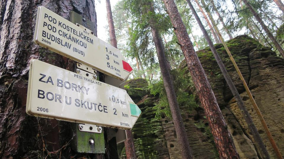 Přírodní rezervace Maštale je protkána sítí turistických tras a cyklostezek
