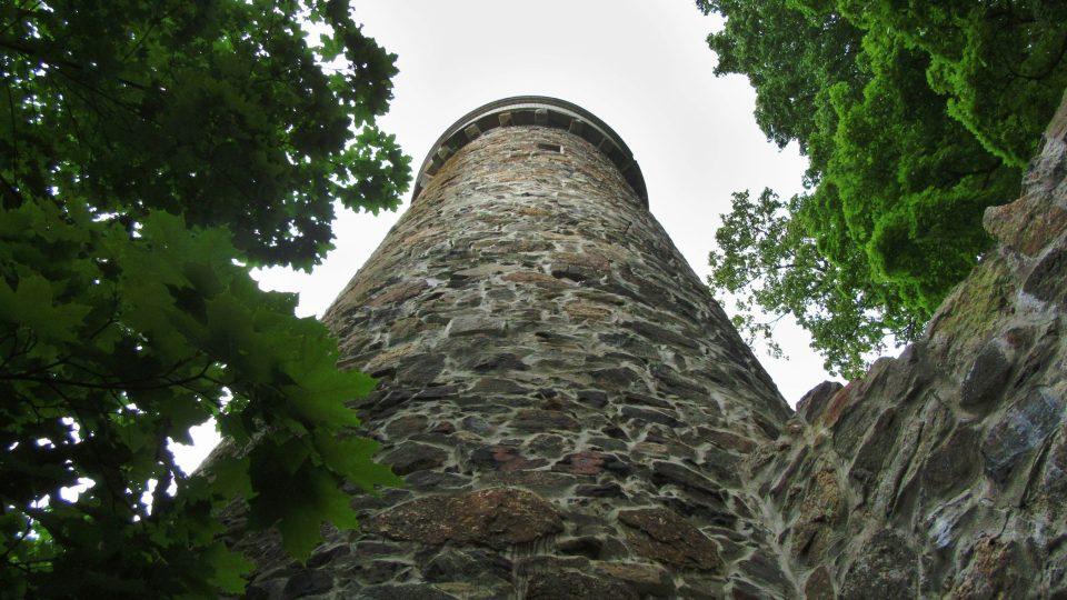 Věž je vysoká 20 metrů