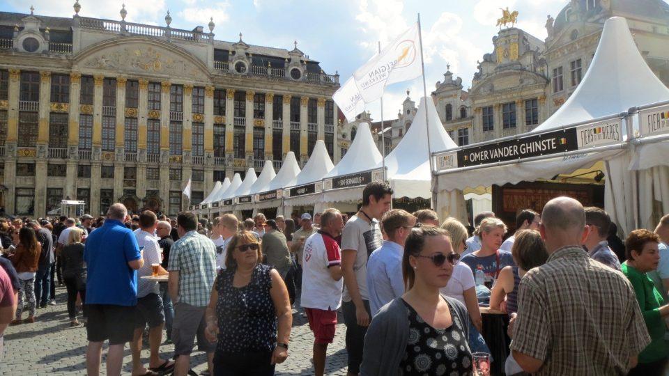 brusel-pivo-náměstí.jpg