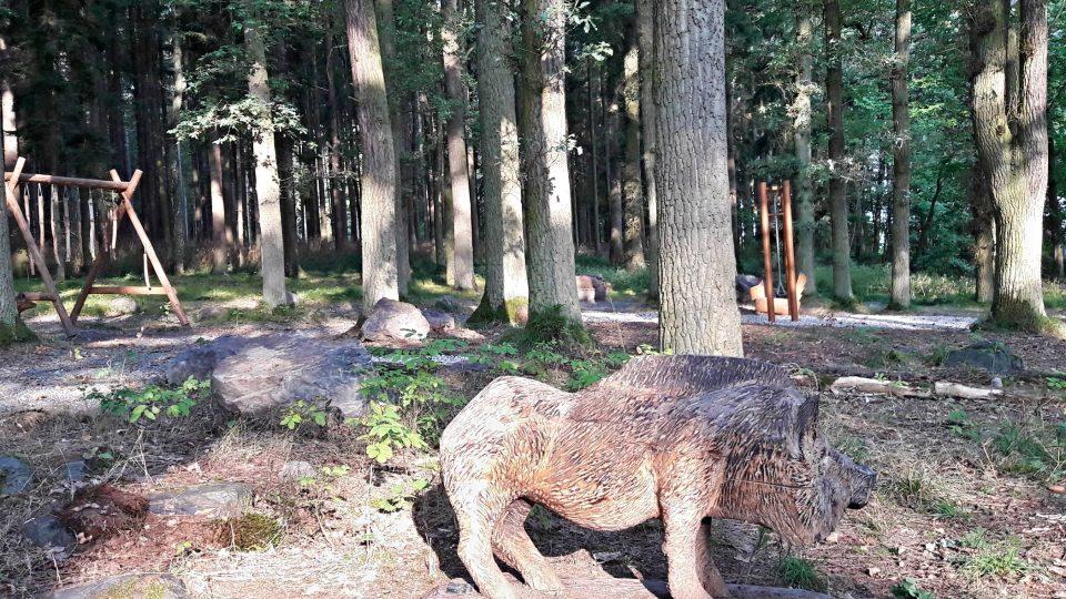 Ždírecká ZOO představuje zvířata ze dřeva a z kovu