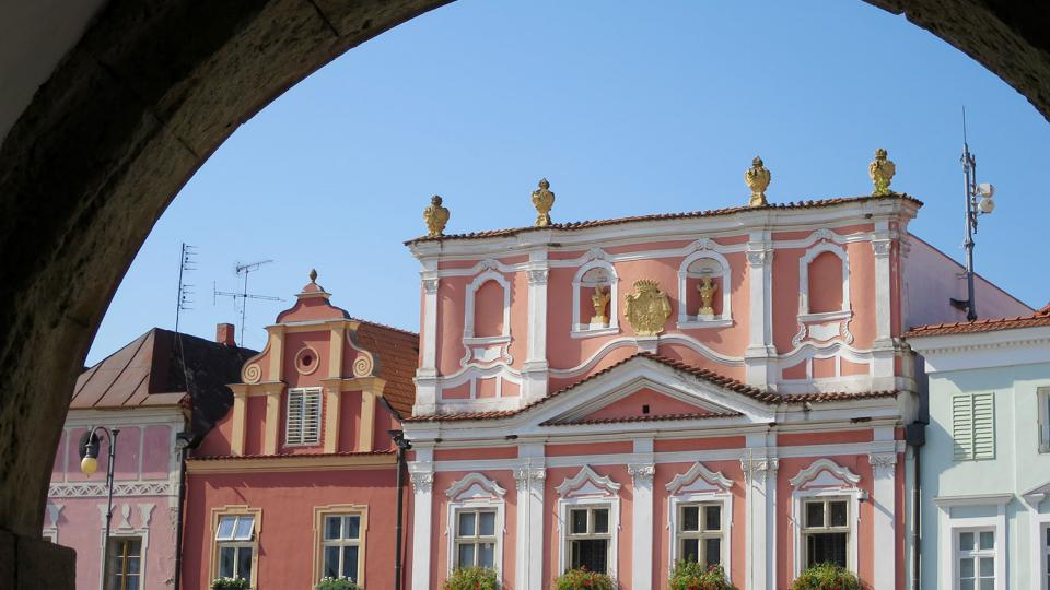 Dům čp. 61 koupil v roce 1825 otec Bedřicha Smetany, slavný skladatel v něm také po určitý čas bydlel