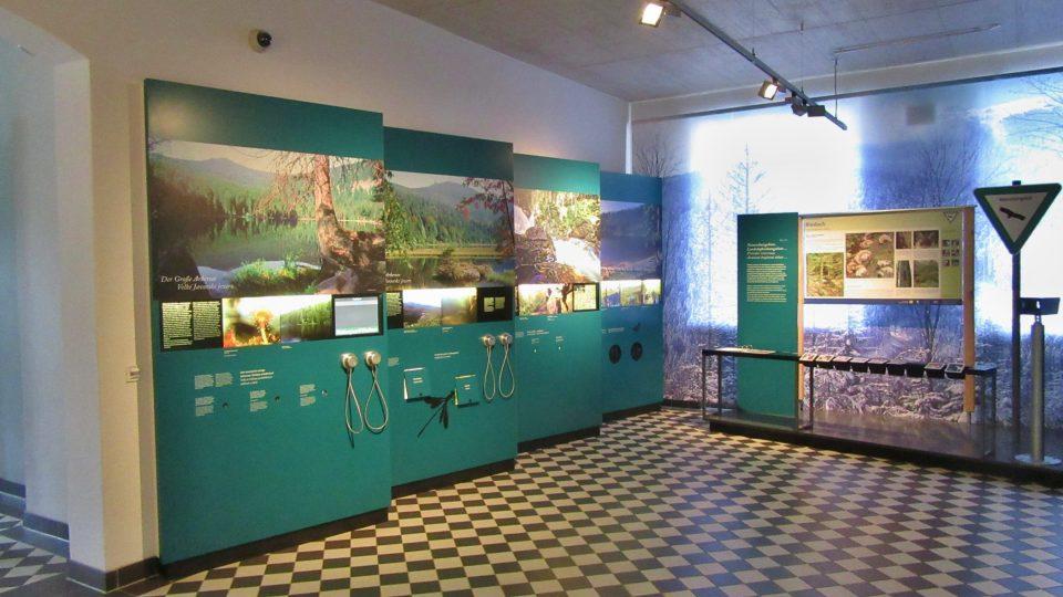 V německé části budovy jsou celkem čtyři expozice