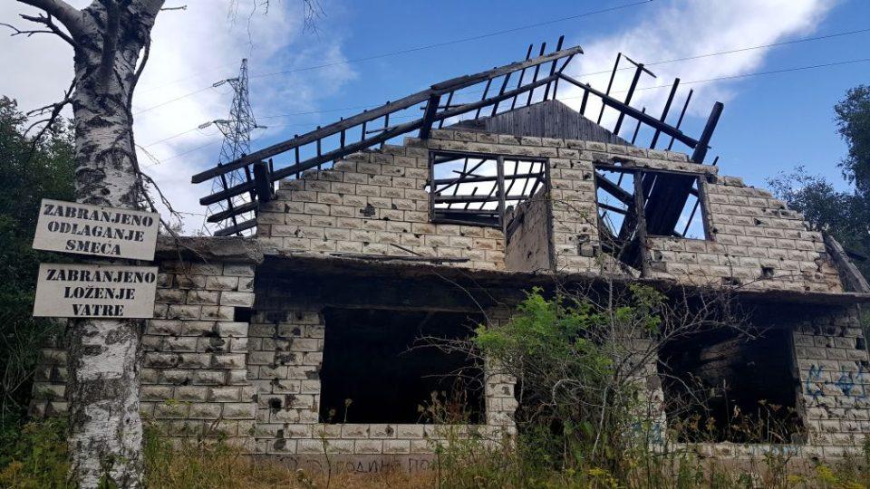 Pozůstatky z války jsou viditelné všude - Bosna a Hercegovina