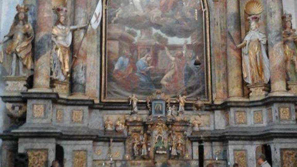 Obří oltář