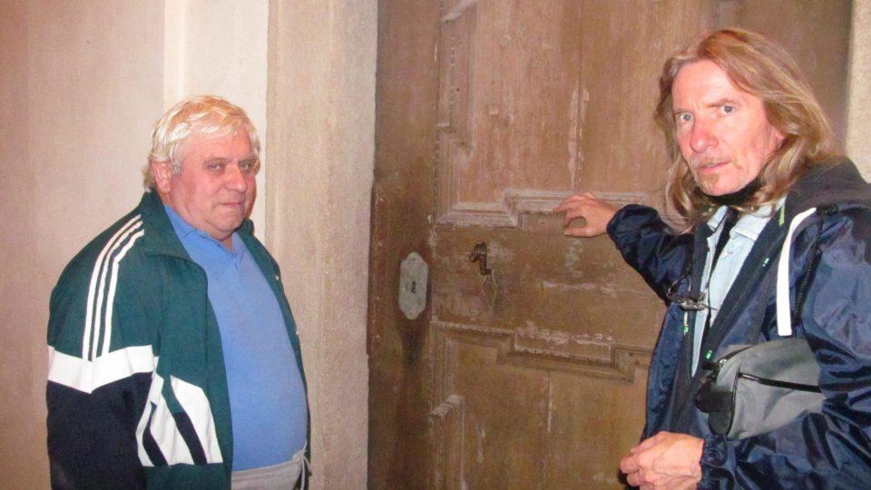 Na snímku redaktor Zdeněk Zajíček (vpravo) a průvodce Jan Havlíček