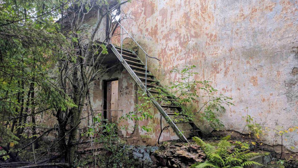 Ruina budovy na staré střelnici