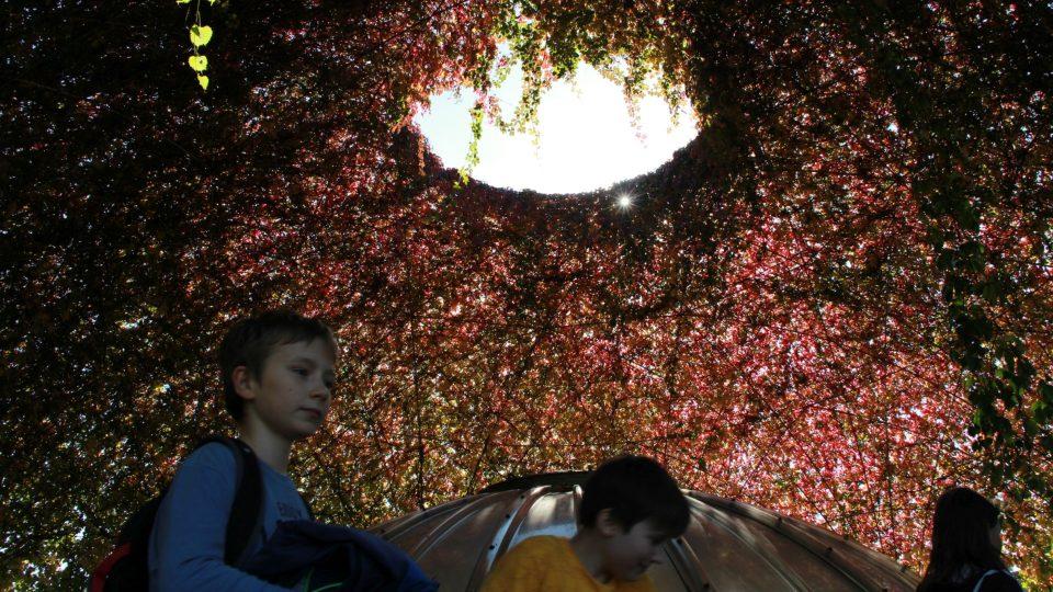 Odpočinek od ruchu města je pro školáky vítanou změnou