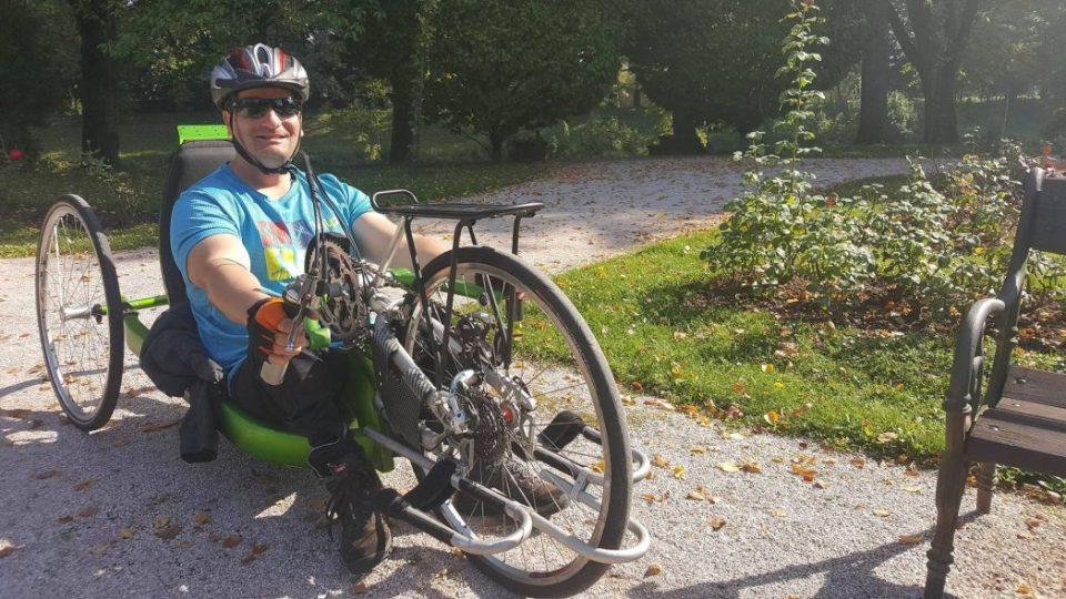 Na handbiku v hradeckém parku