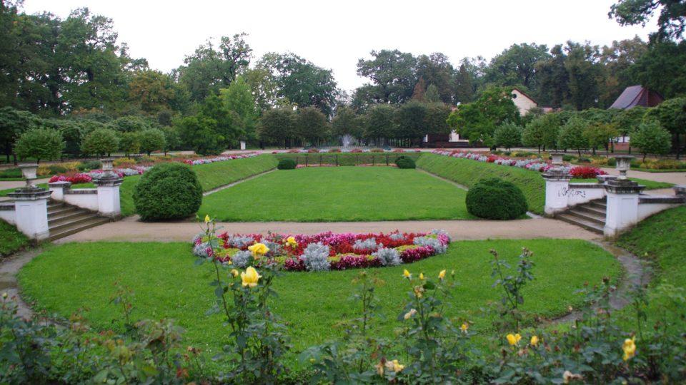 Francouzská květnice je dílem zakladatele parku architekta Františka Thomayera