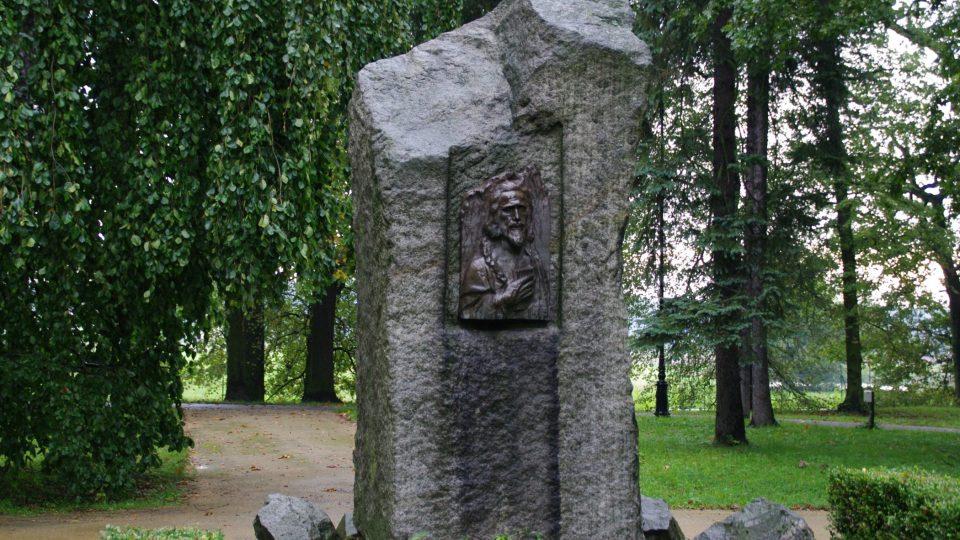 Svůj pomník má v Michalově i jan Amos Komenský