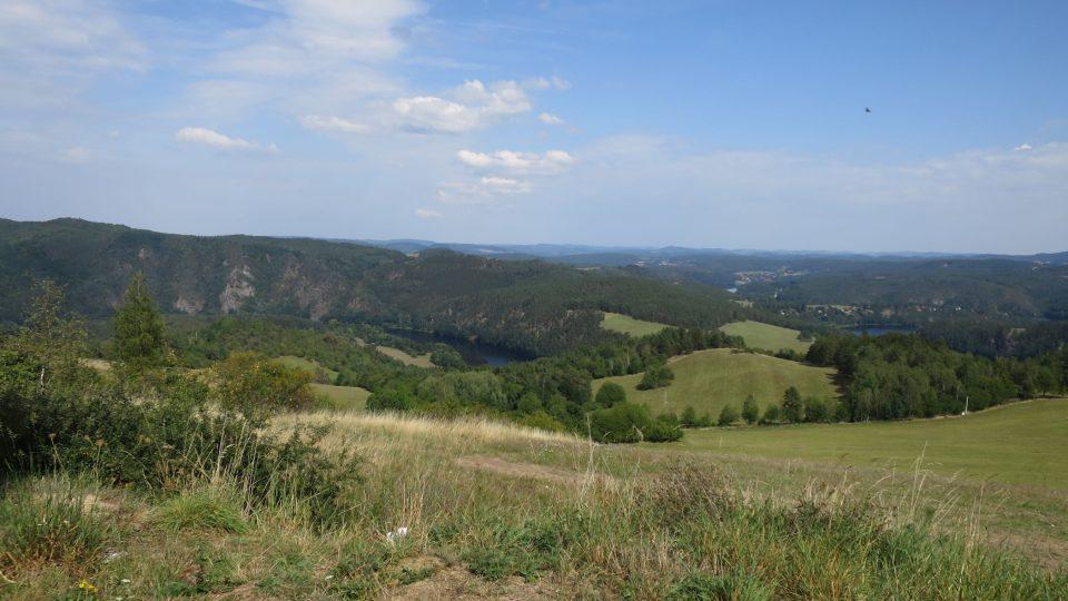 Už samotný pohled z kopce Krchov je krásný