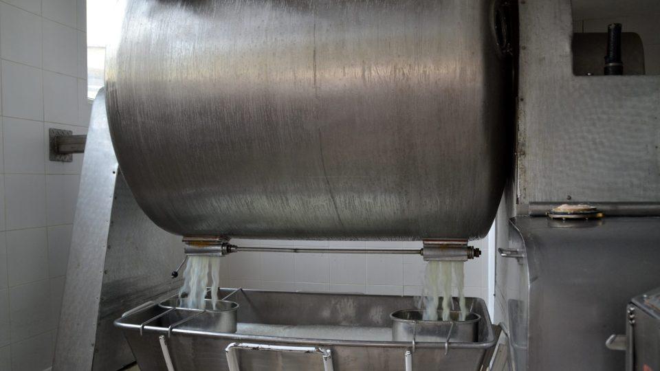 Stroj na výrobu másla