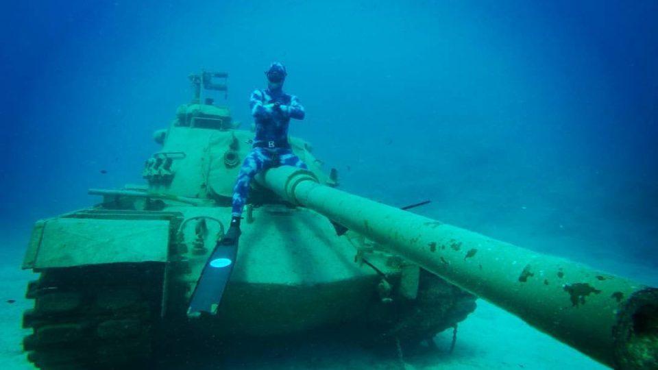 Pod vodou potápěči uvidí leccos