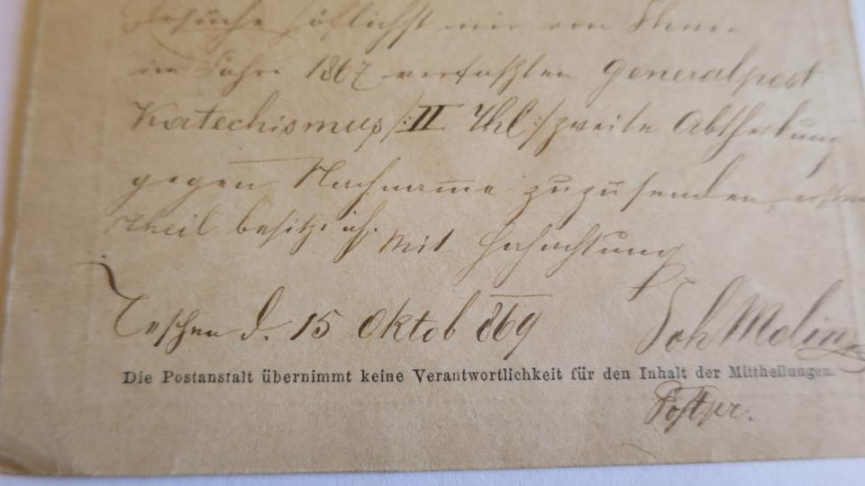 Součástí sbírky pohlednic je i nejstarší korespondenční lístek z roku 1869