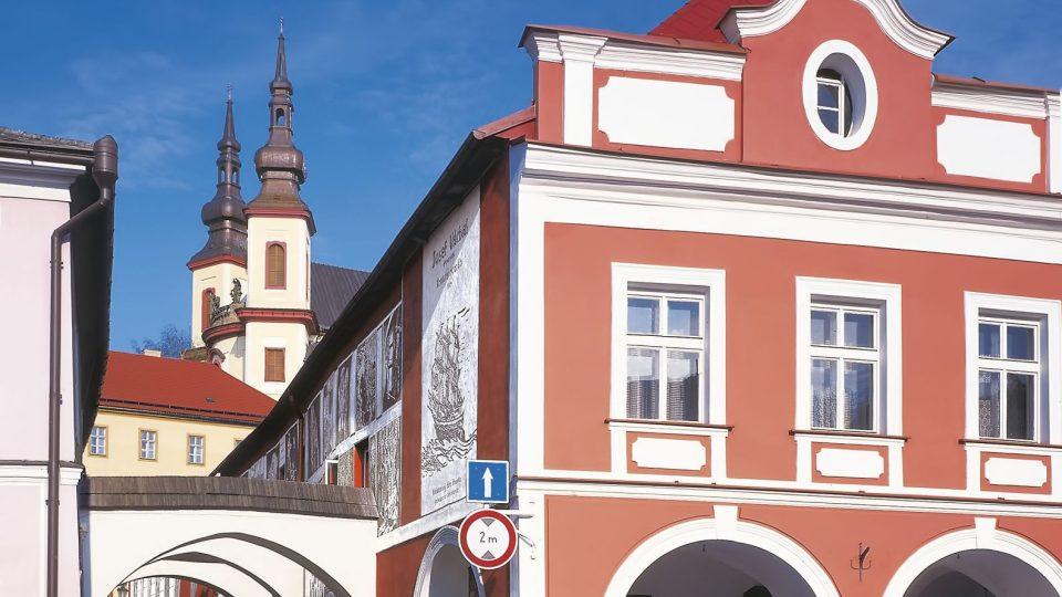 Ulice Josefa Váchala, pohledu ze Smetanova náměstí