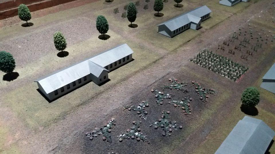 O podobě tábora si návštěvníci udělají představu z věrné makety