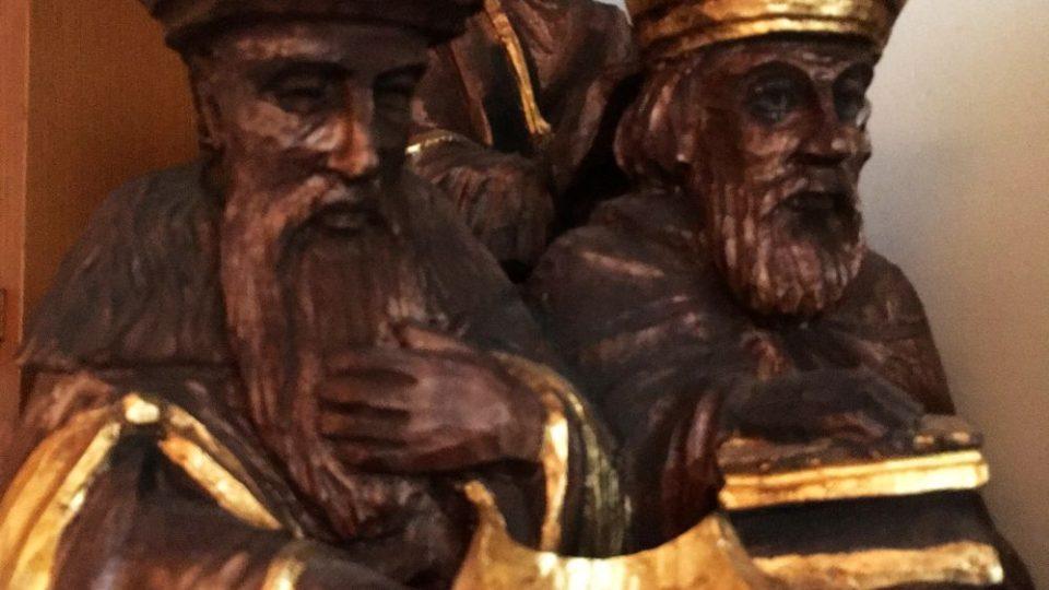 V dílně náchodského řezbáře Zdeňka Farského jsou stále Vánoce. Je to svět betlémů všech typů a velikostí