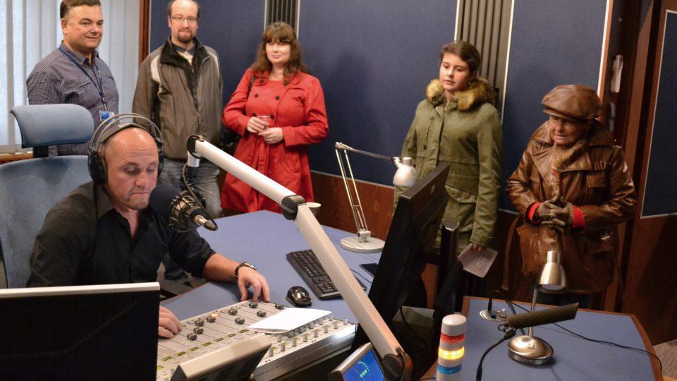Vysílání s moderátorem Petrem Soukupem