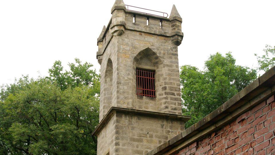 Nejstarší rozhledna v Českém ráji připomíná hradní věž