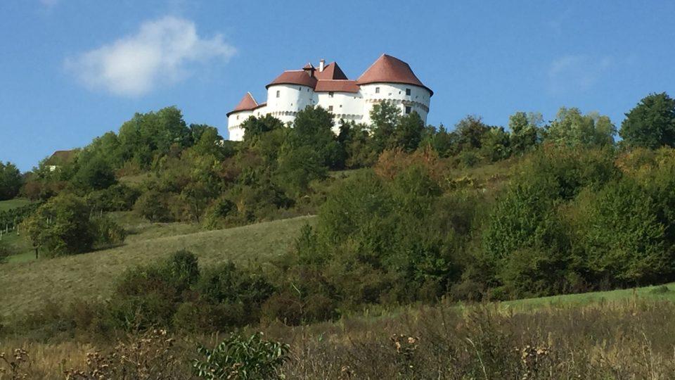 Hrad Veliki Tabor láká návštěvníky už z dálky