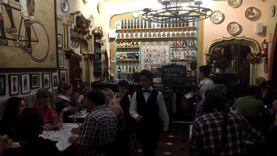 V restauraci U 4 koček se setkávala španělská bohéma